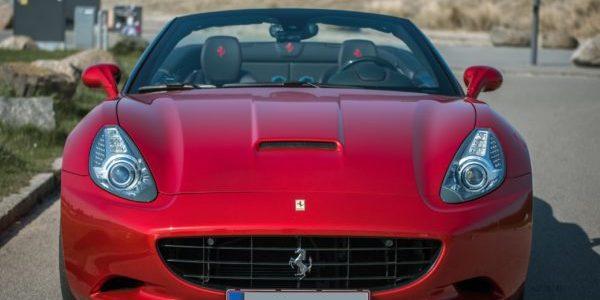 Lej en Ferrari California