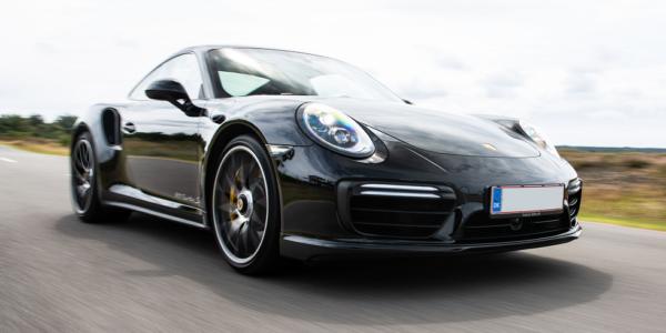 Lej en Porsche 911 Turbo S