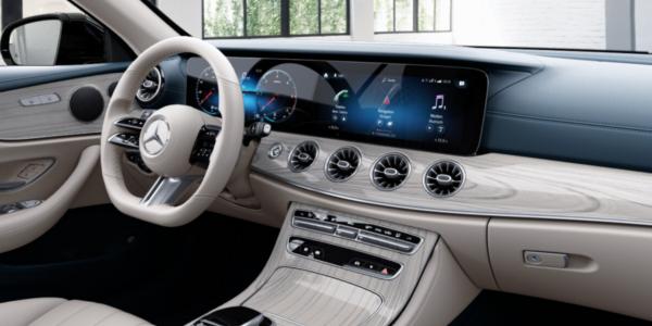 Lej en Mercedes-Benz E-Klasse Cabriolet