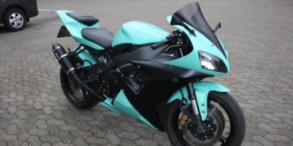 Lej en Yamaha R1